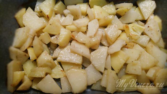 Картошка с грибами на противне в духовке