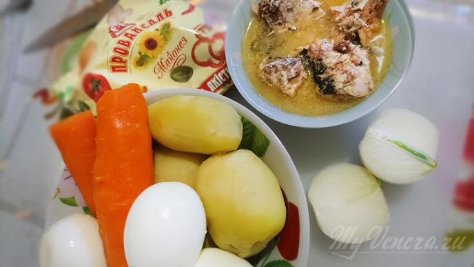 Салат мимоза с сардиной в масле
